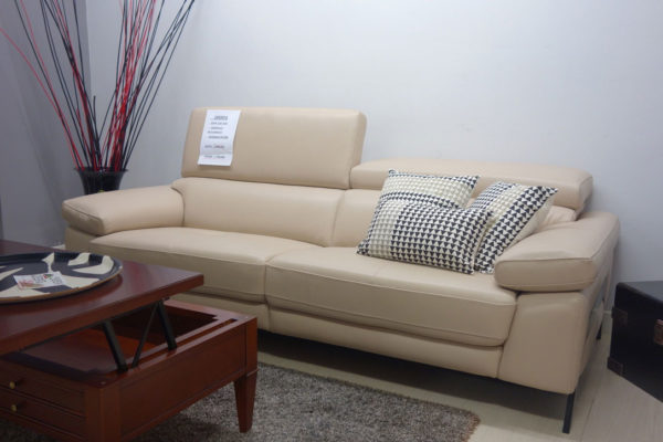 Sofa 230cm. cabezales reclinables